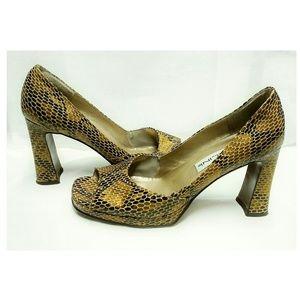 Bellini Schuhes   Belini Zoot Gold  Glitter Pump   Gold Poshmark 6f092f